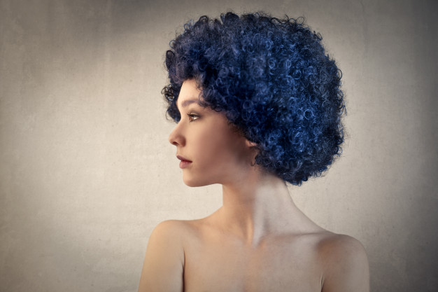 The Pros And Cons Of Synthetic and Human Hair Wigs